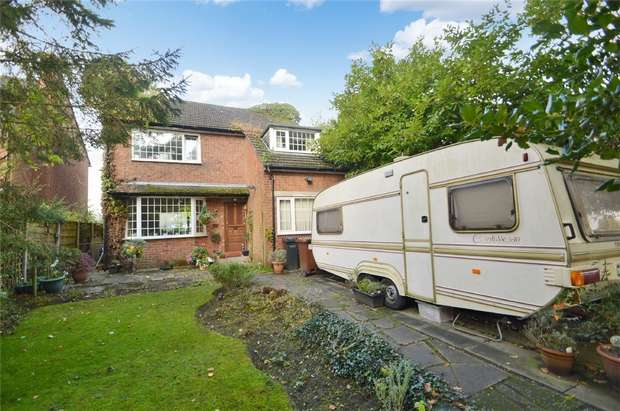 4 Bedrooms Detached House for sale in Jenny Lane, Woodford, Stockport, Cheshire