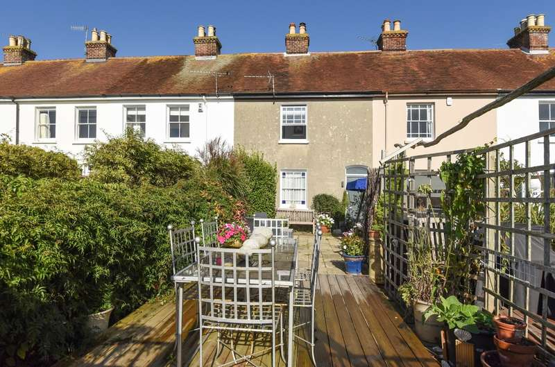 2 Bedrooms House for sale in Mariners Terrace, Shore Road, Bosham, PO18