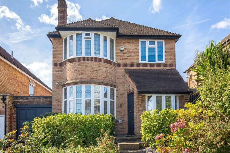 4 Bedrooms Detached House for sale in Southover, Woodside Park, London, N12