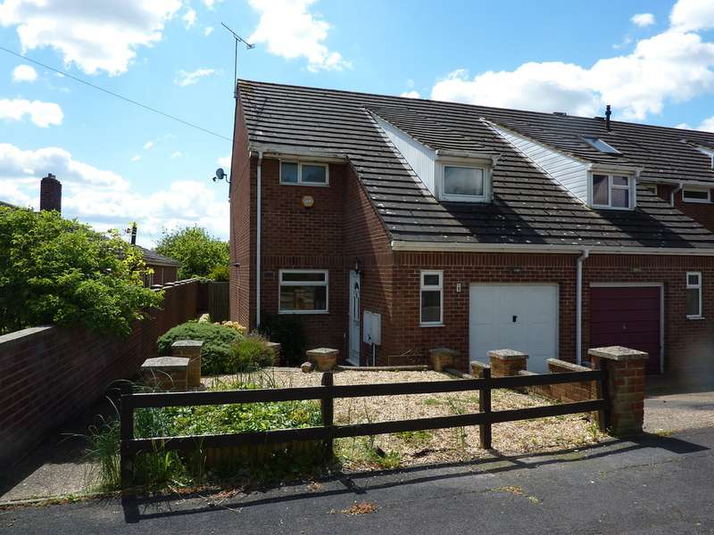 3 Bedrooms Semi Detached House for sale in Dell Road, Andover SP10