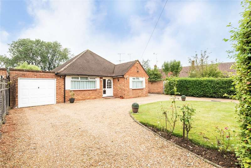 3 Bedrooms Detached Bungalow for sale in Burnham Close, Bourne End, Buckinghamshire, SL8