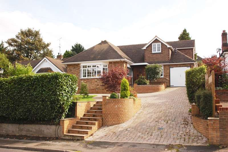 5 Bedrooms Chalet House for sale in Deanway, Chalfont St Giles, HP8