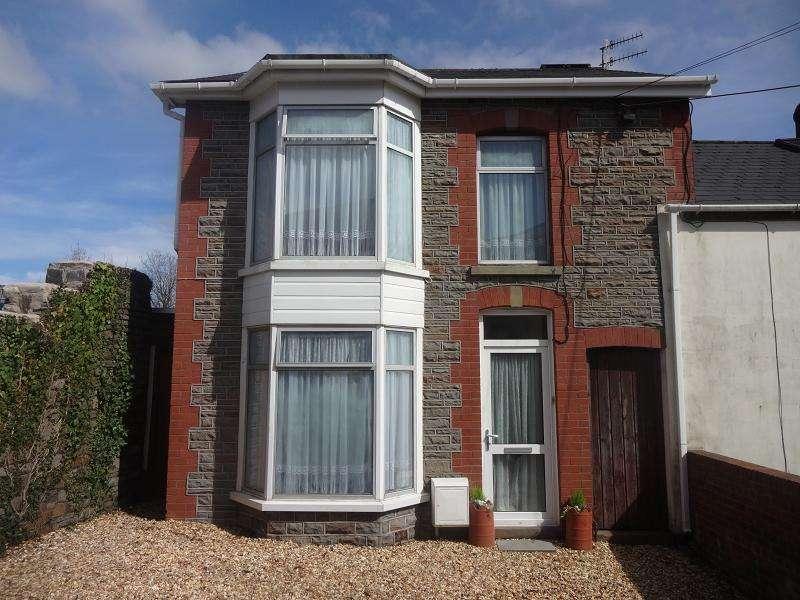 3 Bedrooms End Of Terrace House for sale in Darren Road, Ystalyfera, Swansea.