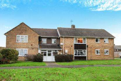 2 Bedrooms Flat for sale in Tidworth, Salisbury, Wiltshire