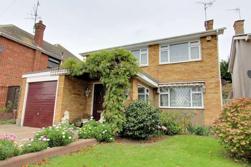5 Bedrooms Detached House for sale in Woodgrange Drive, Thorpe Bay