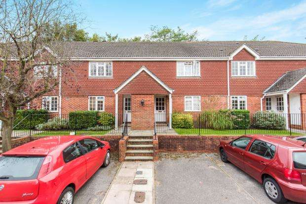 1 Bedroom Flat for sale in Chesham Road, Guildford, Surrey