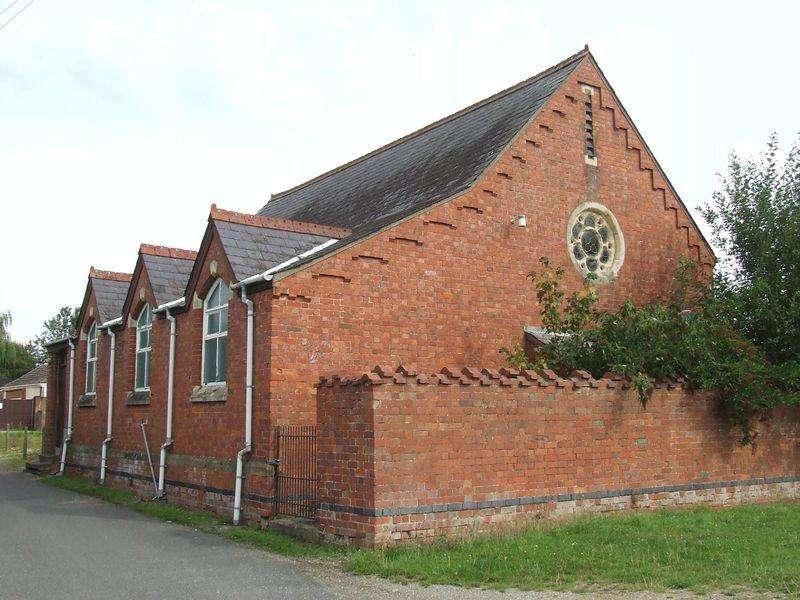 2 Bedrooms Detached House for sale in Chapel For Conversion, Main Street, Mareham le Fen