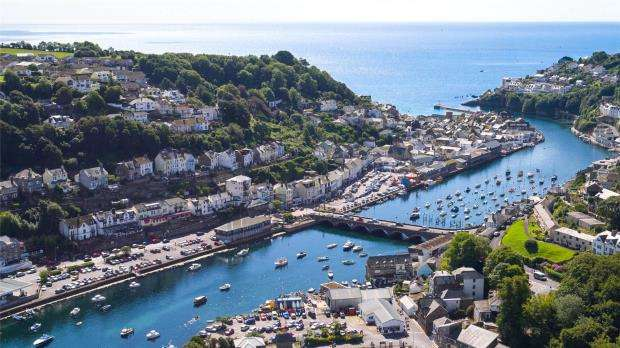 2 Bedrooms Flat for sale in River View, Station Road, Looe, Cornwall
