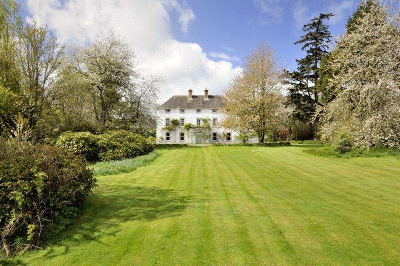 7 Bedrooms Detached House for sale in Hobsburn, Bonchester Bridge, Hawick, Scottish Borders
