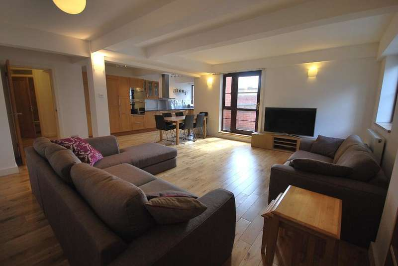 4 Bedrooms Penthouse Flat for rent in Dickinson Street, Manchester, M1 4LX