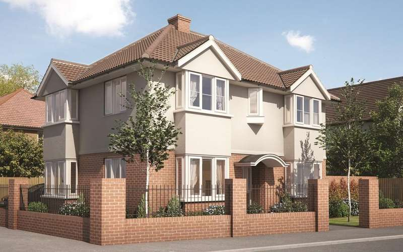 4 Bedrooms Detached House for sale in Fronks Avenue, Dovercourt