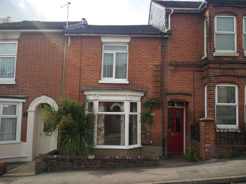 2 Bedrooms Terraced House for sale in Earls Road, Southampton, Hampshire, SO14