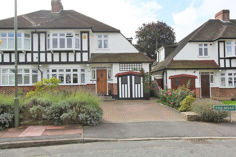 4 Bedrooms Semi Detached House for sale in The Mead, Beckenham, Kent, BR3 5PE