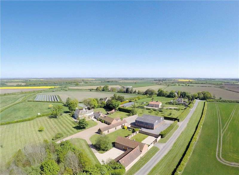 2 Bedrooms Farm House Character Property for sale in Barlings, Lincoln, LN3
