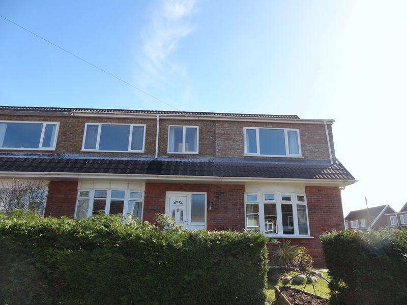 4 Bedrooms Semi Detached House for sale in Cherry Tree Road, Wrexham