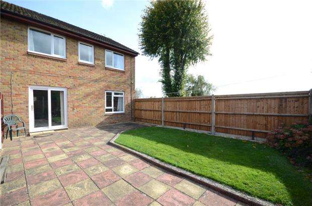 3 Bedrooms End Of Terrace House for sale in Dragoon Court, Aldershot, Hampshire