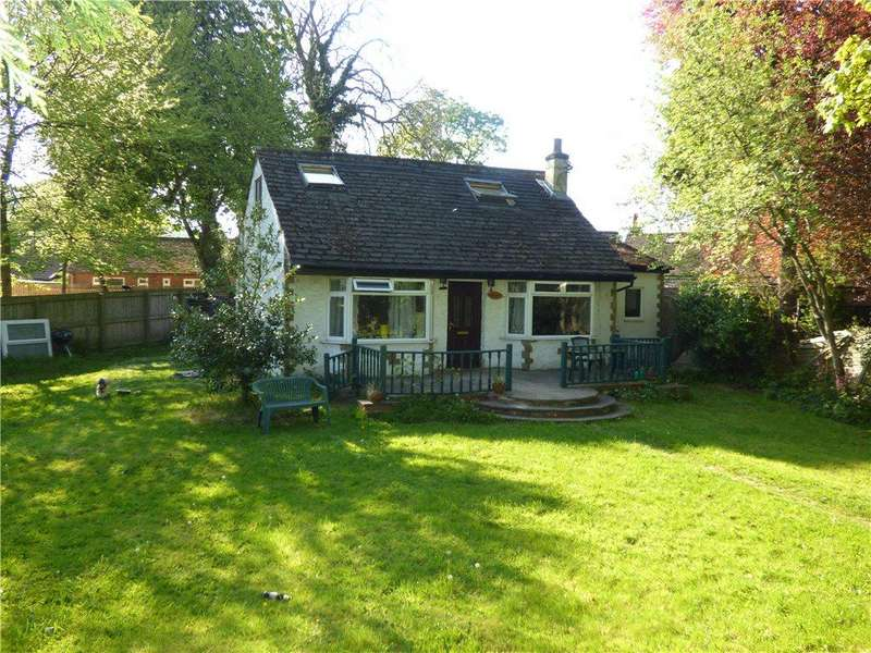 2 Bedrooms Detached Bungalow for sale in Four Bays, Keighley Road, Bingley, West Yorkshire
