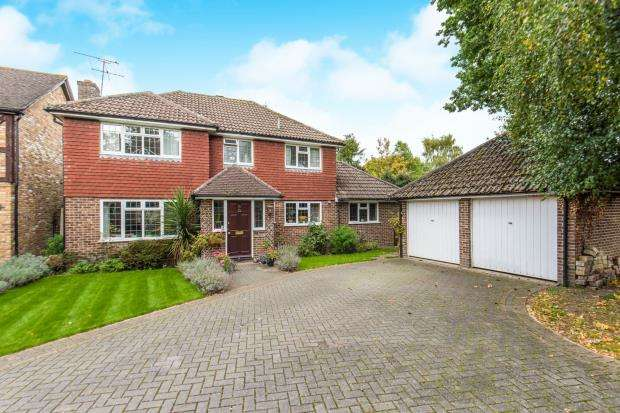 4 Bedrooms Detached House for sale in Yateley, Hampshire, Shazam!