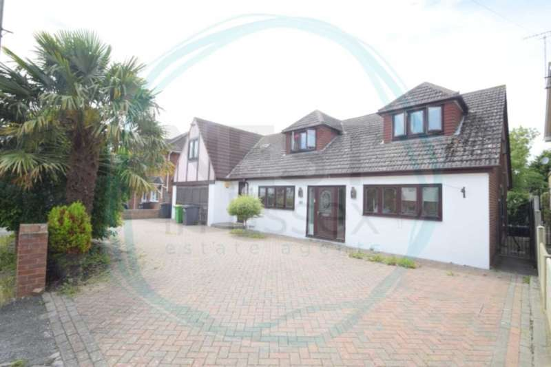 6 Bedrooms Detached House for sale in Elm Grove, Hullbridge
