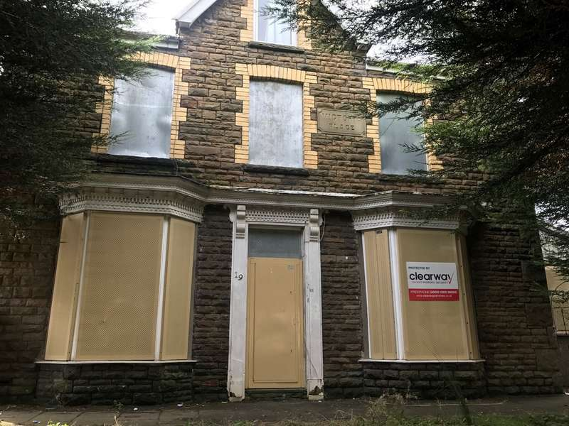 2 Bedrooms End Of Terrace House for sale in Old Road, Skewen, Neath