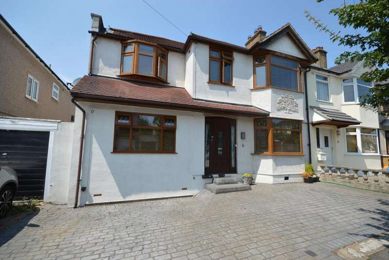 5 Bedrooms Semi Detached House for sale in Boscombe Avenue, Hornchurch, Essex, RM11