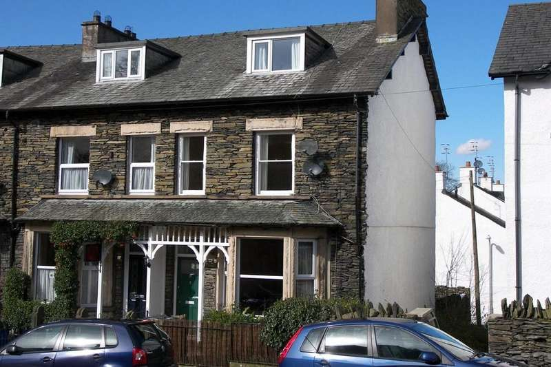 2 Bedrooms Apartment Flat for sale in 64 Craig Walk, Bowness on Windermere, Cumbria, LA23 2JS