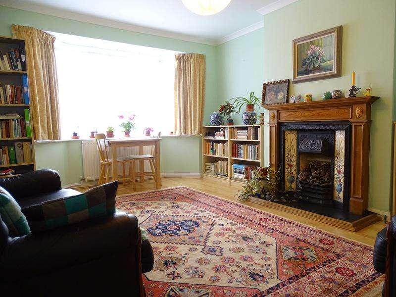 2 Bedrooms Flat for sale in Webster Gardens, Ealing