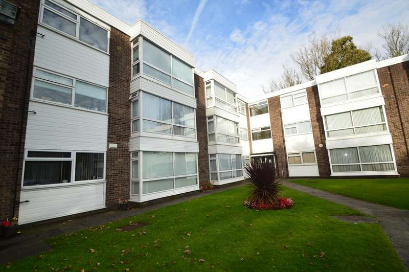 2 Bedrooms Apartment Flat for sale in Westfield Street, Salford, M7