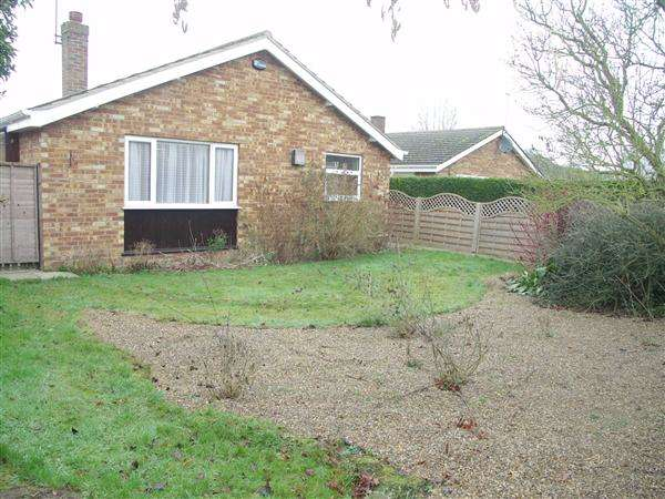 3 Bedrooms Bungalow for sale in Catfield,Norfolk,NR29