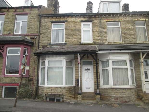 4 Bedrooms Terraced House for sale in Otley Road, Bradford, BD3