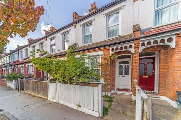 3 Bedrooms Terraced House for sale in Tylecroft Road, London