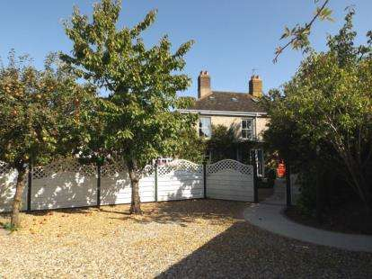 5 Bedrooms Semi Detached House for sale in Watton, Thetford, .