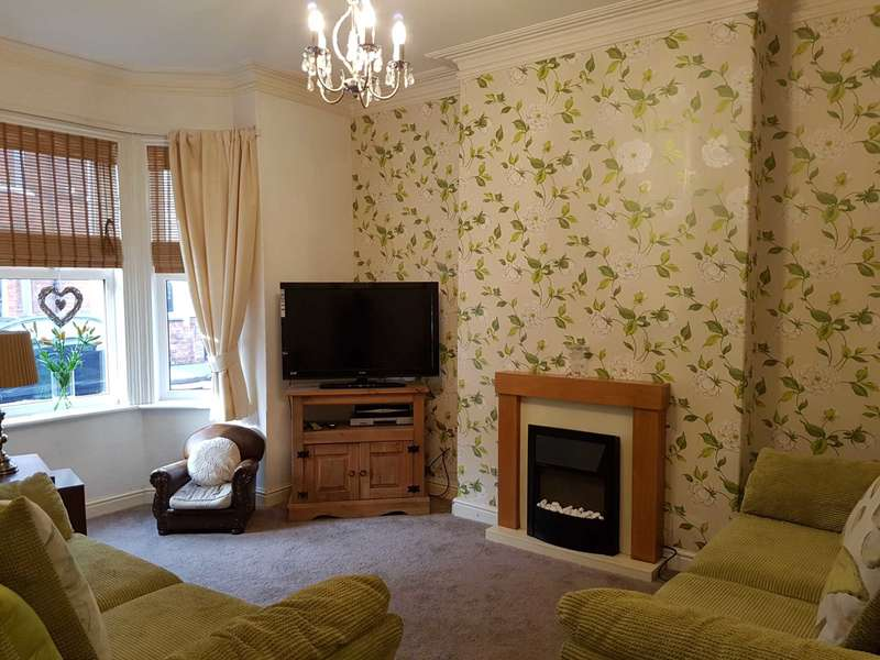 3 Bedrooms Semi Detached House for sale in Tooley Street, Gainsborough