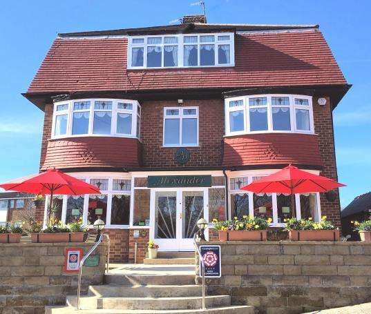 11 Bedrooms Detached House for sale in Burniston Road, Scarborough, North Yorkshire YO12 6PG