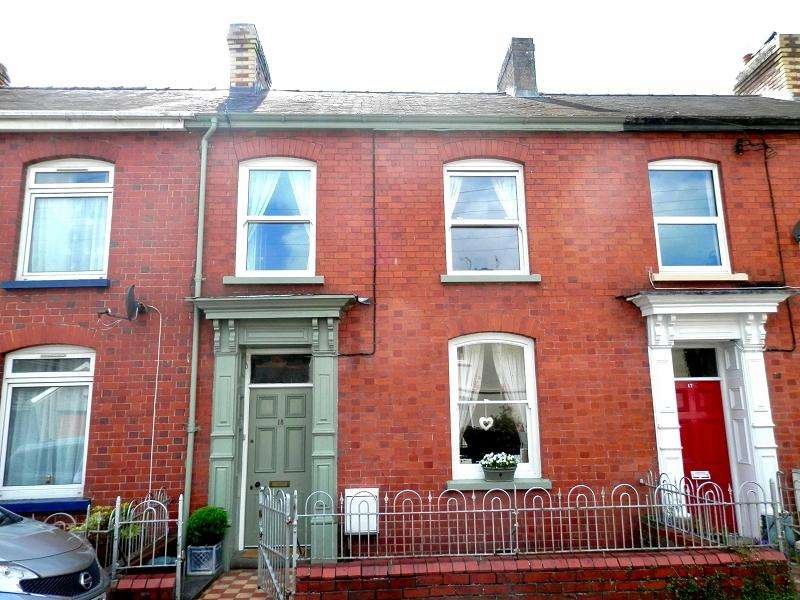 4 Bedrooms Terraced House for sale in College View, Llandovery, Carmarthenshire.