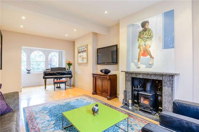4 Bedrooms Terraced House for sale in St. Peter's Street, Islington, London, N1