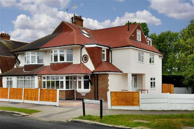 2 Bedrooms Flat for sale in Riverview Road, Ewell, Surrey
