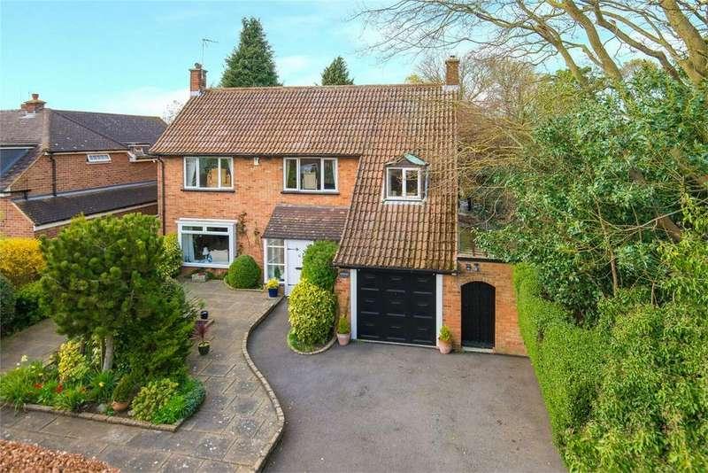 4 Bedrooms Detached House for sale in Sollershott West, Letchworth, Herts