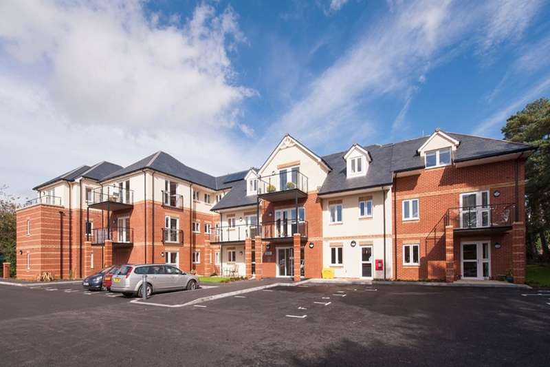 2 Bedrooms Flat for sale in Beaulieu Road, Dibden Purlieu, Southampton, SO45