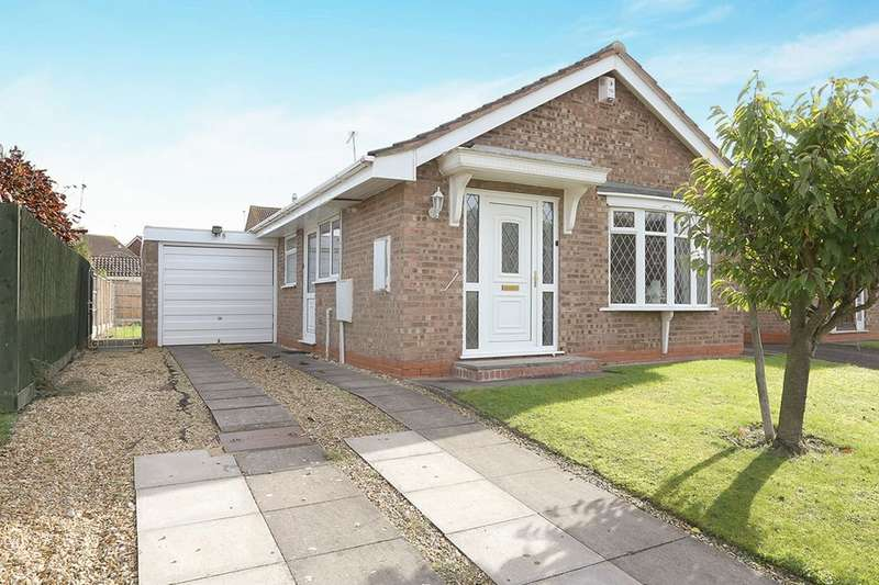 2 Bedrooms Detached Bungalow for sale in Tasman Grove, Perton, Wolverhampton, WV6