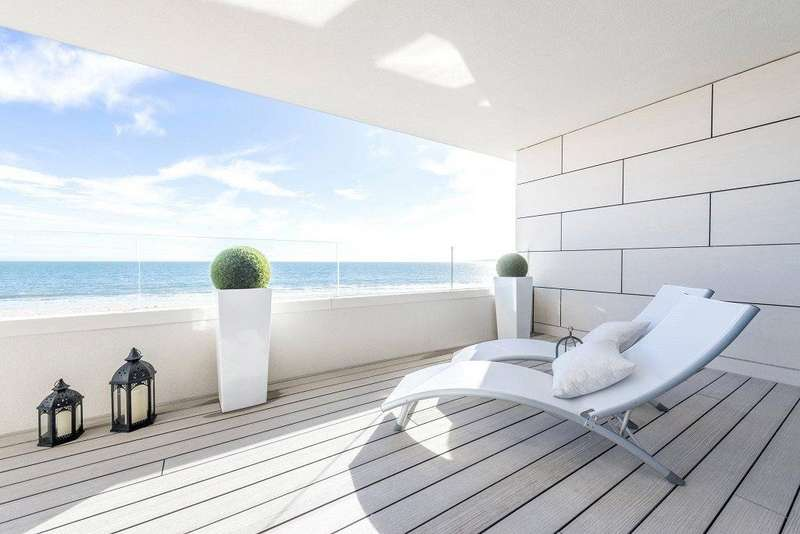 4 Bedrooms Flat for sale in Banks Road, Sandbanks, Poole, BH13