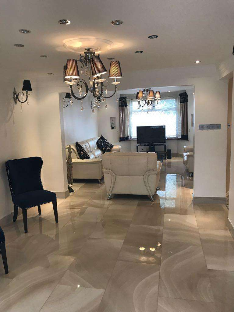 5 Bedrooms Semi Detached House for sale in Sudbury Heights, London, UB6