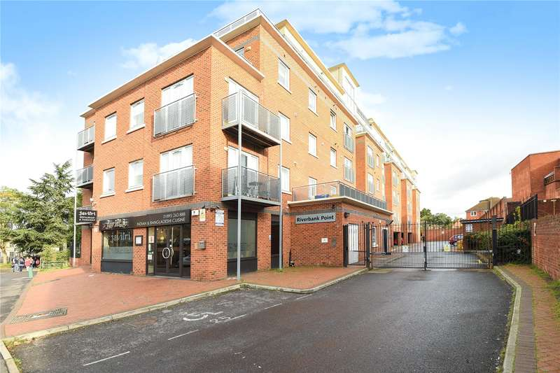 2 Bedrooms Apartment Flat for sale in Riverbank Point, 114 High Street, Uxbridge, Middlesex, UB8