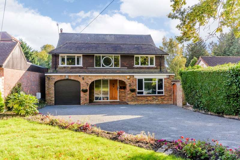 4 Bedrooms Detached House for sale in Chertsey