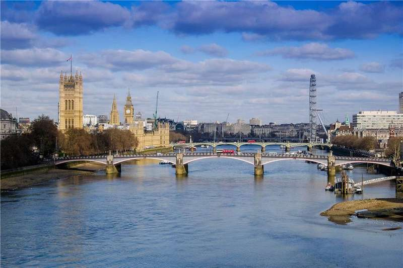 5 Bedrooms Flat for sale in Peninsula Heights, Albert Embankment, London, SE1