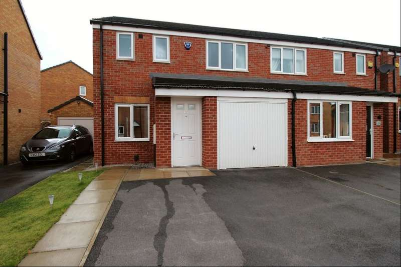 3 Bedrooms Semi Detached House for sale in Pear Tree Close, Bradford, BD6