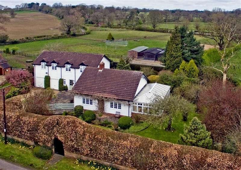 4 Bedrooms Detached House for sale in Wheatstone Farm, Moatbrook Lane, Codsall, Wolverhampton, WV8