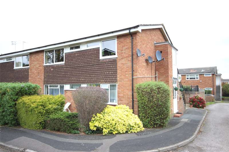 2 Bedrooms Flat for sale in Wooteys Way, Alton, Hampshire, GU34