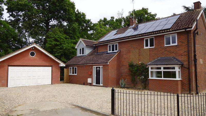4 Bedrooms Detached House for sale in Purford Green, Harlow, Essex