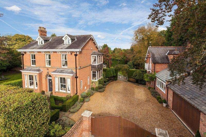 6 Bedrooms Detached House for sale in Plumley Moor Road, Plumley